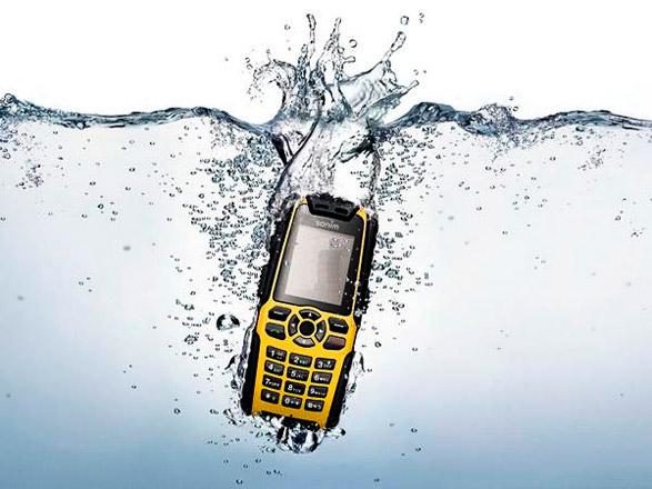 Утонул телефон